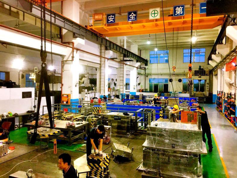 Mold-assembly-workshop